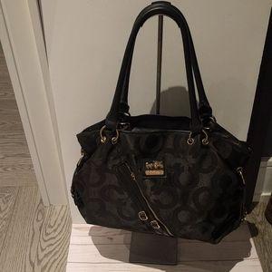 Black large canvas Coach Handbag 🌸🌺🌷